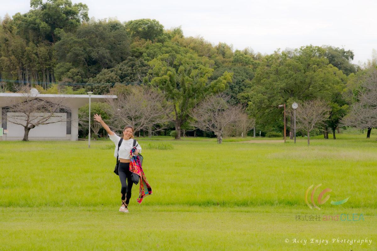 イベント出張写真撮影( @watanabeakr ACCY) ヨガを出張写真撮影 八景水谷公園でヨガ教室 サハジ STLISH YOGA ROOM  Padma