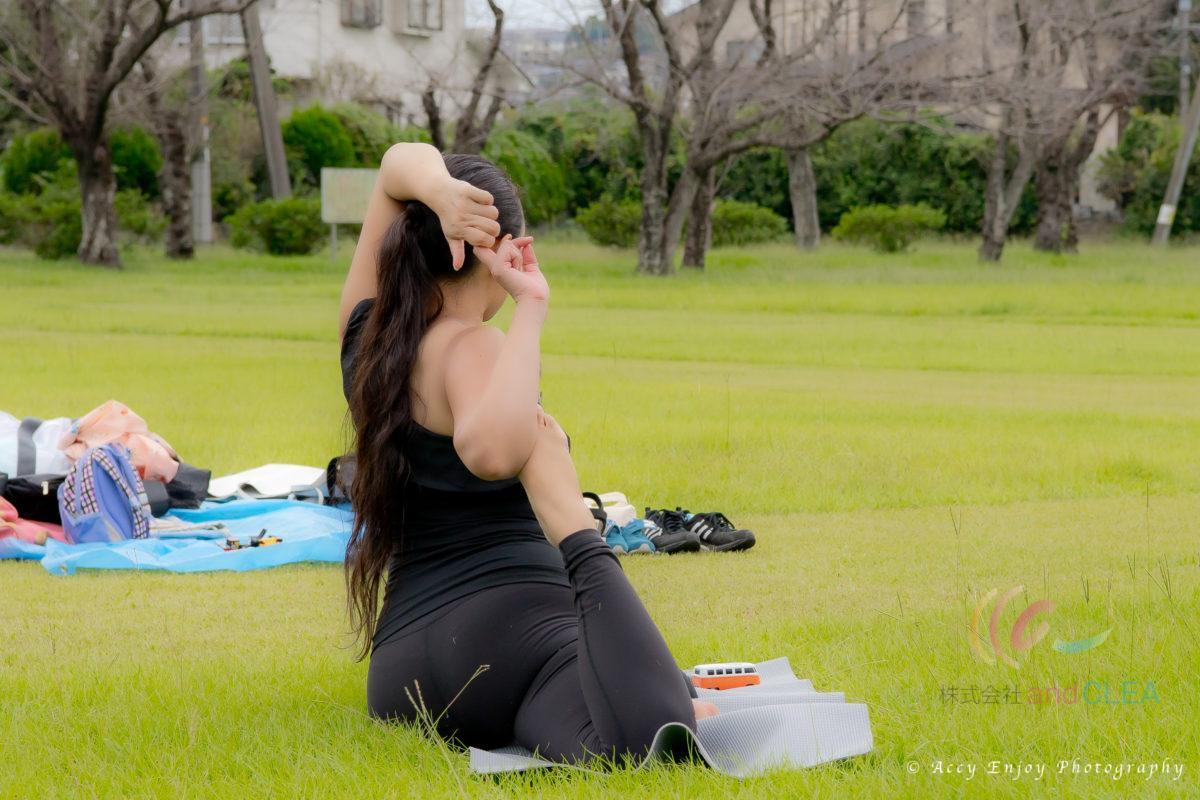 イベント出張写真撮影( @watanabeakr ACCY) ヨガを出張写真撮影 八景水谷公園でピクニックヨガ サハジ STLISH YOGA ROOM  Padma